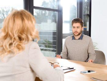 Psychische Probleme im Arbeitsalltag erkennen und ansprechen